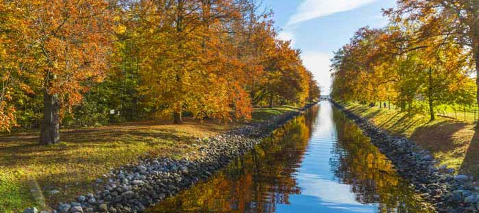Fall is a wonderful time to enjoy shopping, dining, and the wonderful sights in Horsham, Montgomery County PA